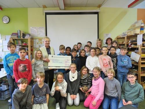 Montessorischule spendet für Abana Baseka